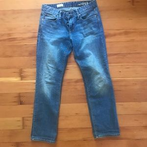 """Gap 1969 """"Real Straight"""" women's Jeans. 27"""